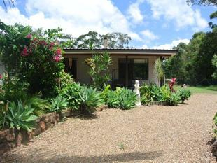 3 BEDROOM HOME IN TOWN, 1092M2 - Russell Island