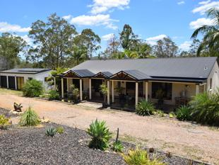 4 Bedroom Brick Home on 10 Acres - Mount Hallen