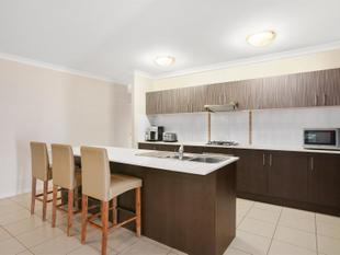229 m2 of SENSATIONAL FAMILY LIVING!!! - Trinity Beach