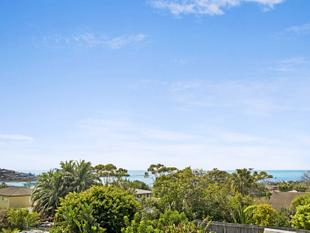 North facing rear yard with views over Dee Why & Long Reef - Dee Why