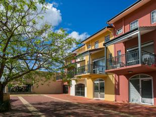 IMMACULATE SPLIT LEVEL APARTMENT - Ellenbrook