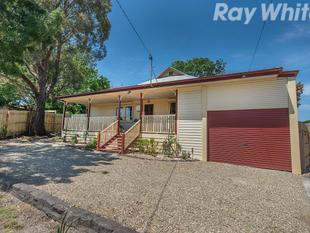 A Timelessly Styled 3 Bedroom, 2 Bathroom home - Ferntree Gully