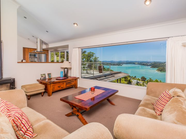 16 Panorama (Binnie) Street, Paihia, Far North District