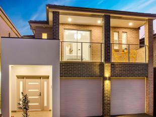 IMMACULATE TOWNHOUSE - Kellyville