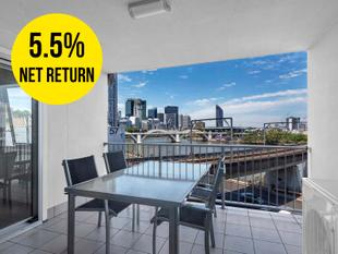 Investors Dream returning $735 p/w, River and City Views - Brisbane