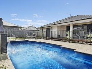 Quality and Stylish Family Home!! - North Lakes
