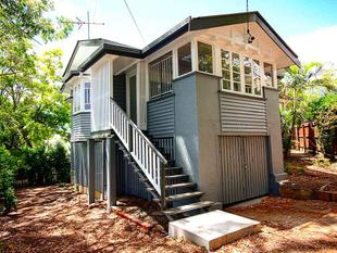 Charmingly Renovated Queenslander with Great Location - Norman Park