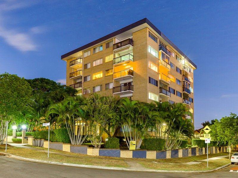 Apartment leased east brisbane qld 1 lomond terrace for Queensland terrace