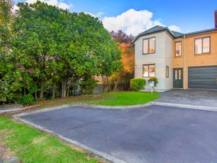 Urgent Sale ! - Freehold Modern Easy Living - Glen Eden