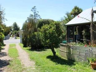 Living In The Valley - Heathcote