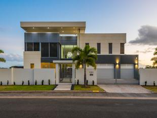 MODERN MASTERPIECE ON SOUGHT-AFTER NERANG RIVER POSITION - Benowa Waters