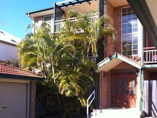 GROUND FLOOR LIVING - CENTRAL LOCATION - Sherwood