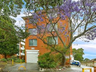 Top Floor, Excellent Returns $$$ And Big Lock-Up Garage !!! - Lakemba