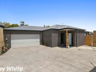 Superb Breakwater Opportunity - Breakwater