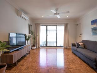 Sunny Top Floor Position - Stanmore