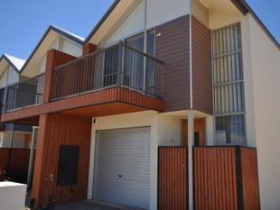 3 bedroom townhouse - Mawson Lakes
