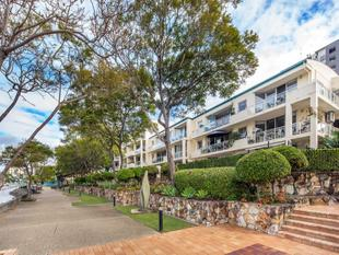 Direct Riverfront, Low-rise 3 Bedroom Opportunity - Owner Instructs Sale - Kangaroo Point