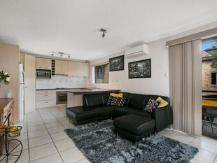 An Apartment With The City Only A Stones Throw Away - Greenslopes
