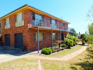 Spacious & Private Family Living - Bathurst