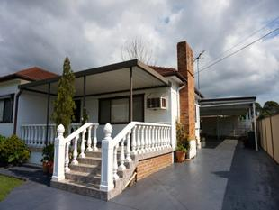 BEAUTIFUL BIG HOUSE - Canley Heights