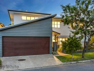 Exceptional Family Home with Dual Living in Premiere Position. - Kedron