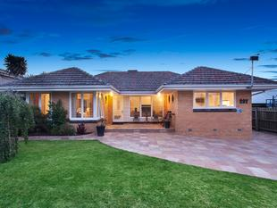 Family Comfort with Parkside Appeal - Murrumbeena