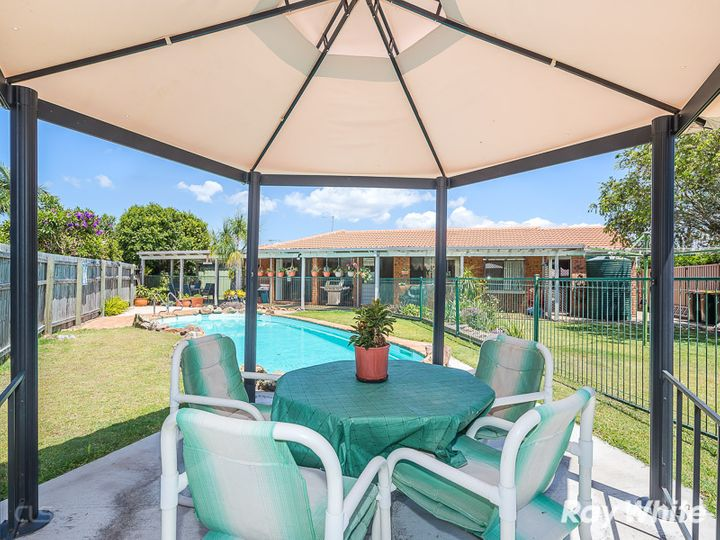 6 Durham Court, Sandstone Point, QLD