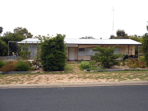 Bordertown, 10 Eveline Street