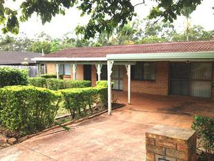 COSY THREE BEDROOM HOME IN SUNNYBANK HILLS - Sunnybank Hills