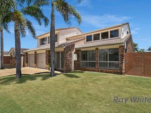 Sold by Hendrik van Aswegen - Ultimate Lifestyle - Short Stroll to the Beach - Victoria Point
