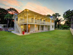 ABSOLUTE OCEAN FRONTAGE  DIRECT ACCESS TO BEACH + AMAZING FAMILY HOME - Moore Park Beach