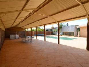 Large family home - Carnarvon