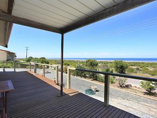 Panoramic sea views included - Tiddy Widdy Beach