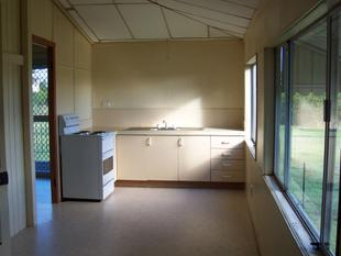 Unit Close To Town - Lowood