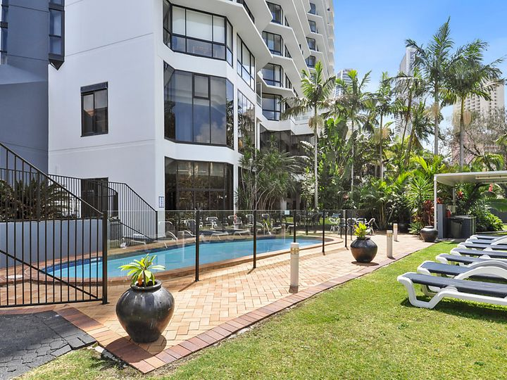 706/70 Remembrance Drive, Surfers Paradise, QLD