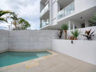 Chic Top Floor apartment with all the extras - Mermaid Beach