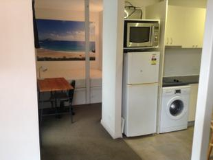 Compact furnished studio available short or longer term lease - Allambie Heights