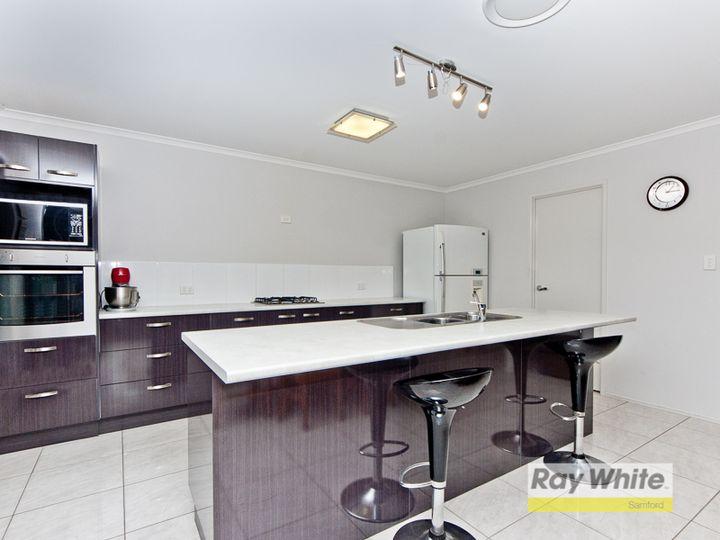 8 Village Lane, Samford Village, QLD