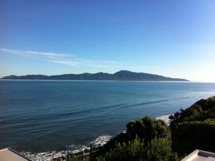 SEA, STYLE + SOPHISTICATION - Raumati South