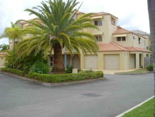 Perfectly Positioned, Spacious & Modern! - Runaway Bay