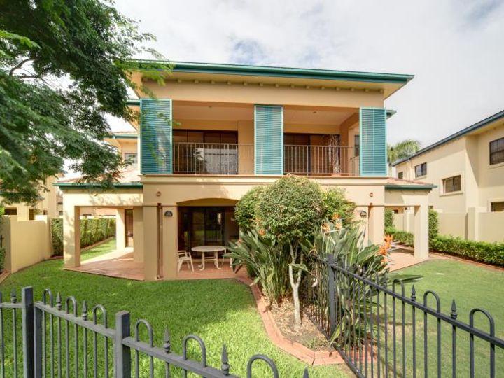 3220 Palladian Drive, Hope Island, QLD
