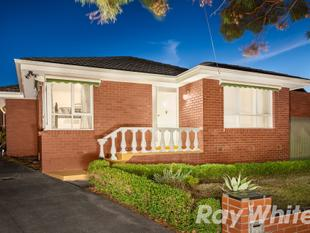 ENTICING INVESTMENT OR LIFESTYLE OPTION - Burwood