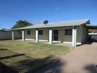 Quiet street living close to town - Mount Isa