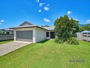 Fabulous Modern Family Living with Side Access on 611m2 Block - Bentley Park