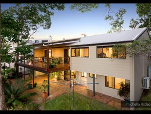 AUCTION THIS SATURDAY! - Attractive Entertainer in Popular Street - Chapel Hill