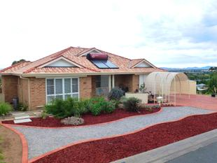 JUST MOVE IN AND ENJOY THE VIEWS - Tamworth