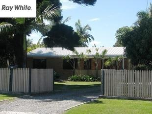 GOLDEN OPPORTUNITY AWAITS! FIRST HOME BUYERS/ DEVELOPERS.LARGE BLOCK! - Redland Bay