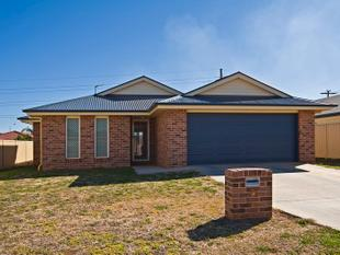 RENT REDUCTED !! GLORIOUS GLENVALE - Glenvale