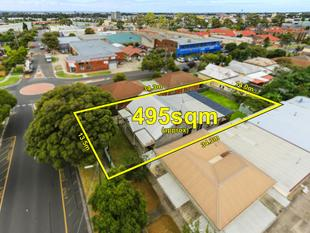 AUCTION THIS SATURDAY - Endorsed Plan & Permit for 3 Luxury Townhouses - Vendor Must SELL! - Dandenong