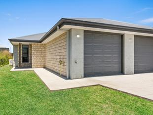 BRAND NEW 2 BEDROOM 1 BATHROOM VERY MODERN DUPLEX - Glenvale